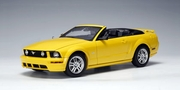 FORD MUSTANG GT 2005 CONVERTIBLE (SCREAMING YELLOW) (LIMITED EDITION 6000PCS WORLDWIDE) (73062)